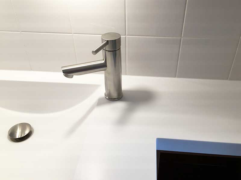 Badkamermeubel van corian mijn kasten op maat